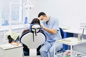 Отбеливание зубов в стоматологической клинике Richsmile