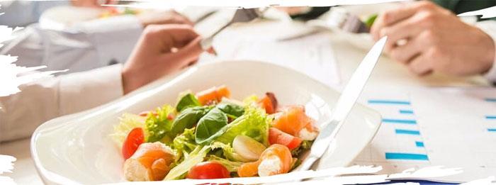 Значение правильного питания на работе